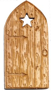 Fairy House Door with cutout star – 110mm x 55mm solid pine with bonus metal key