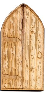 Fairy House Door with grain pattern – 110mm x 55mm solid pine with bonus metal key